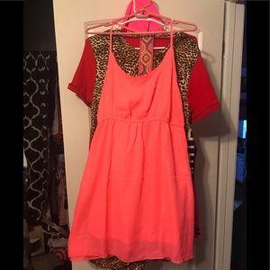 Dresses & Skirts - Cute coral sun dress